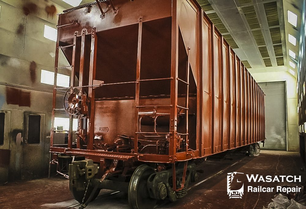 WRR Large Paint Bay with Painted Freight Car